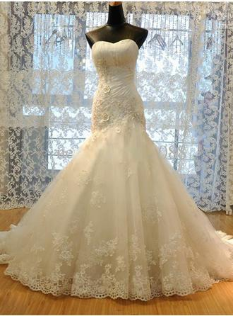 Trumpet/Mermaid Sweetheart Court Train Wedding Dress With Ruffle Lace Beading Flower(s)