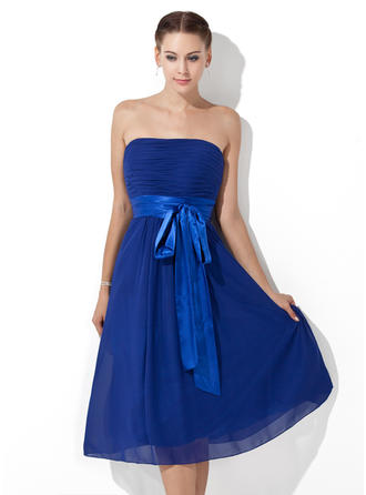 Chiffon Sleeveless Empire Bridesmaid Dresses Strapless Ruffle Sash Bow(s) Knee-Length