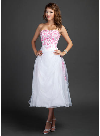 A-Line/Princess Sweetheart Tea-Length Organza Homecoming Dresses With Embroidered Ruffle Beading