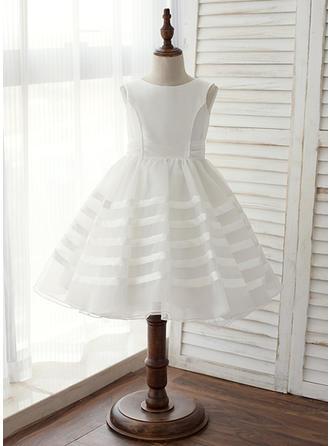 A-Line/Princess Knee-length Flower Girl Dress - Taffeta Sleeveless Scoop Neck