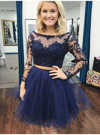 A-Line/Princess Tulle Cocktail Dresses Beading Appliques Lace Scoop Neck Long Sleeves Short/Mini