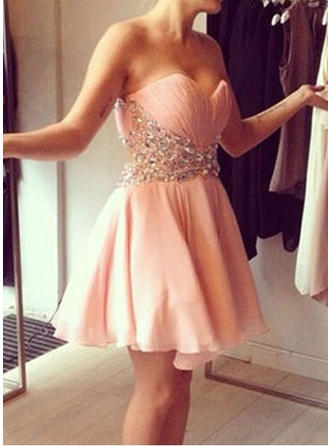 A-Line/Princess Sweetheart Chiffon Sleeveless Short/Mini Beading Sequins Cocktail Dresses
