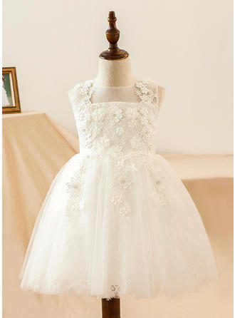 A-Line/Princess Knee-length Flower Girl Dress - Satin/Lace Sleeveless Scoop Neck With Lace/Flower(s)