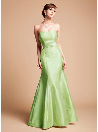 Taffeta Sleeveless Trumpet/Mermaid Bridesmaid Dresses Sweetheart Cascading Ruffles Floor-Length