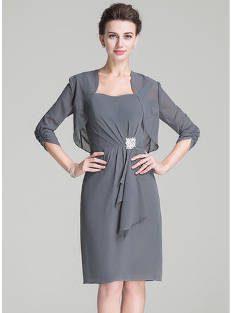 Sheath/Column Chiffon Sleeveless Sweetheart Knee-Length Zipper Up Mother of the Bride Dresses