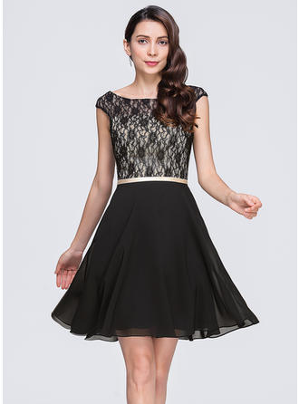 A-Line/Princess Chiffon Lace Cocktail Dresses Scoop Neck Sleeveless Short/Mini