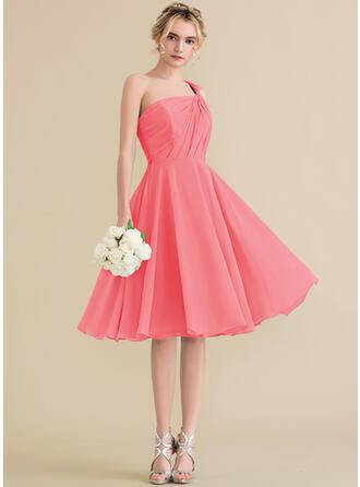 A-Line/Princess One-Shoulder Knee-Length Chiffon Bridesmaid Dress With Ruffle