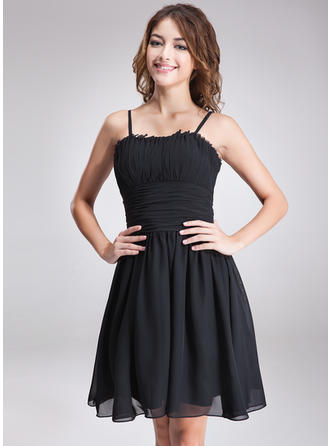 A-Line/Princess Sweetheart Knee-Length Chiffon Homecoming Dresses With Ruffle