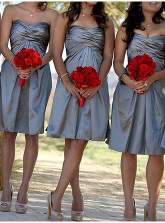 Taffeta Sleeveless A-Line/Princess Bridesmaid Dresses Sweetheart Ruffle Knee-Length