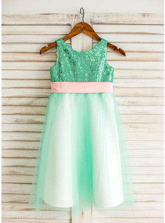 Elegant Knee-length A-Line/Princess Flower Girl Dresses Scoop Neck Tulle/Sequined Sleeveless