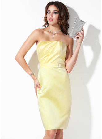 Satin Sleeveless Sheath/Column Bridesmaid Dresses Strapless Ruffle Beading Knee-Length