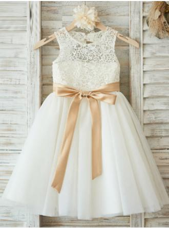 A-Line/Princess Scoop Neck Knee-length With Sash/Pleated Tulle/Lace Flower Girl Dress (010146886)