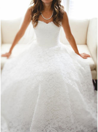Stunning Floor-Length A-Line/Princess Wedding Dresses Sweetheart Lace Sleeveless (002147829)