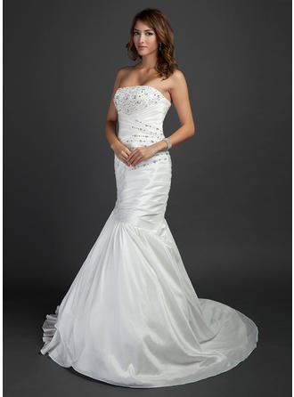 Elegant Court Train Trumpet/Mermaid Wedding Dresses Strapless Taffeta Sleeveless