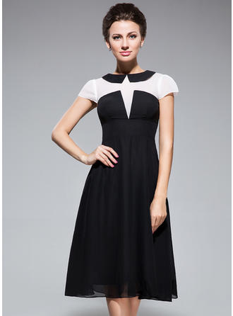 Trumpet/Mermaid Chiffon Short Sleeves Scoop Neck Knee-Length Zipper Up Mother of the Bride Dresses