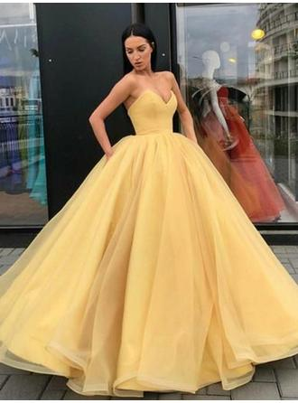 Ball-Gown Luxurious Sweetheart Organza Prom Dresses