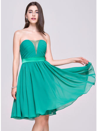 Simple Chiffon Homecoming Dresses A-Line/Princess Knee-Length Sweetheart Sleeveless