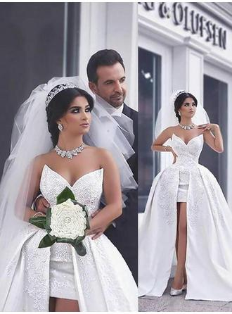 Modern Sweetheart Ball-Gown Wedding Dresses Chapel Train Satin Sleeveless