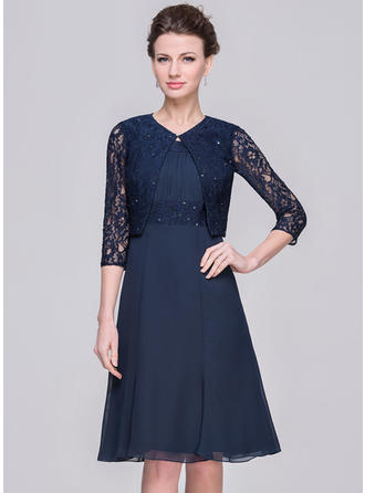 A-Line/Princess Scoop Neck Knee-Length Mother of the Bride Dresses With Ruffle Lace Beading Sequins