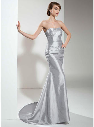 Trumpet/Mermaid Sweetheart Sweep Train Evening Dress With Ruffle Beading