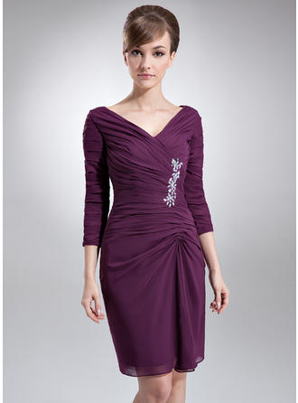 Fashion V-neck Sheath/Column Chiffon Mother of the Bride Dresses