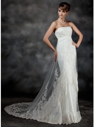 Trumpet/Mermaid Court Train Wedding Dress With Ruffle Lace
