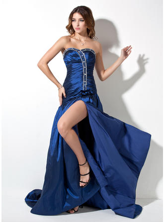 Taffeta Sleeveless A-Line/Princess Prom Dresses Sweetheart Ruffle Beading Split Front Court Train