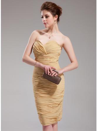 Sheath/Column Sweetheart Knee-Length Chiffon Cocktail Dress With Ruffle