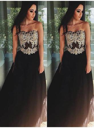A-Line/Princess Sweetheart Floor-Length Evening Dress With Appliques Lace