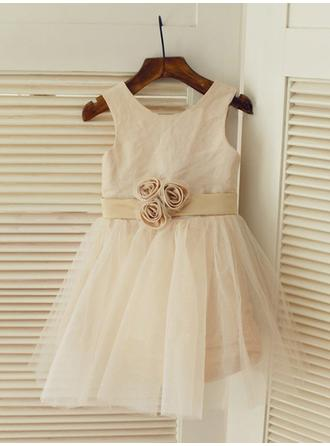 Delicate A-Line/Princess Satin/Tulle Flower Girl Dresses Knee-length Scoop Neck Sleeveless
