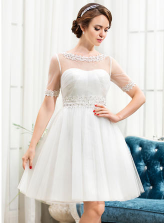 Tulle A-Line/Princess Knee-Length Scoop Wedding Dresses Short Sleeves