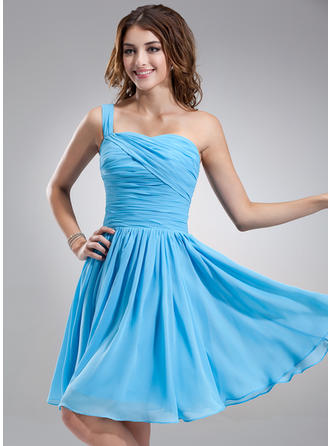 A-Line/Princess One-Shoulder Knee-Length Chiffon Homecoming Dresses With Ruffle
