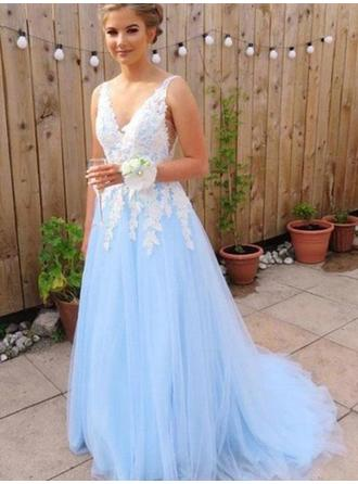 Tulle Sleeveless A-Line/Princess Prom Dresses V-neck Appliques Sweep Train