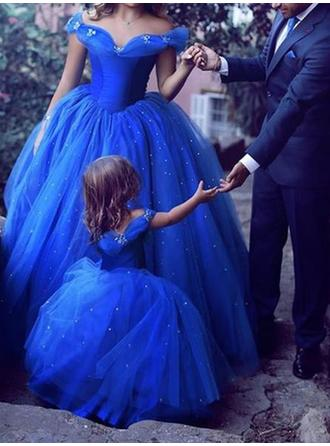 Ball-Gown Off-the-Shoulder Floor-Length Tulle Prom Dresses With Beading