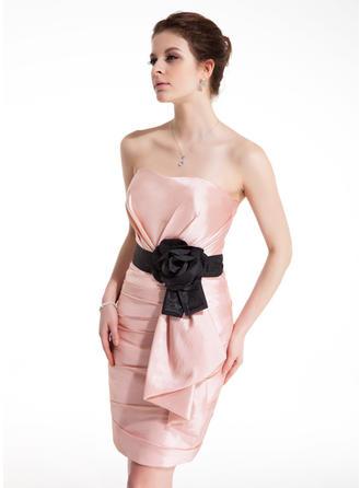 Etui-Linie Herzausschnitt Kurz/Mini Taft Cocktailkleid mit Rüschen Schleifenbänder/Stoffgürtel Blumen Schleife(n)