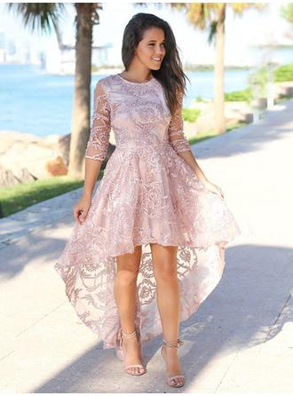 A-Line/Princess Asymmetrical Lace Scoop Neck Homecoming Dresses