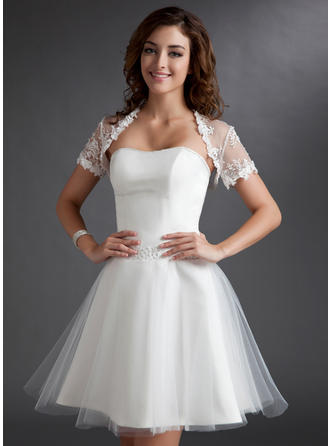 A-Line/Princess Sweetheart Knee-Length Tulle Wedding Dress With Ruffle Beading