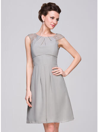 A-Line Scoop Neck Knee-Length Chiffon Bridesmaid Dress With Ruffle Lace