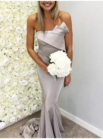 Satin Sleeveless Trumpet/Mermaid Bridesmaid Dresses Scalloped Neck Ruffle Sweep Train