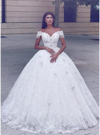 Off-The-Shoulder Ball-Gown Wedding Dresses Lace Appliques Lace Short Sleeves Chapel Train