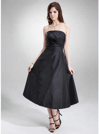 A-Line/Princess Strapless Tea-Length Taffeta Bridesmaid Dress With Ruffle Bow(s)