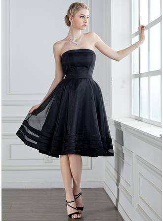 A-Line/Princess Organza Bridesmaid Dresses Strapless Sleeveless Knee-Length