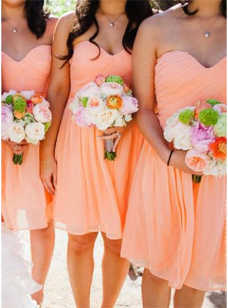 Chiffon Sleeveless A-Line/Princess Bridesmaid Dresses Sweetheart Ruffle Knee-Length (007145035)