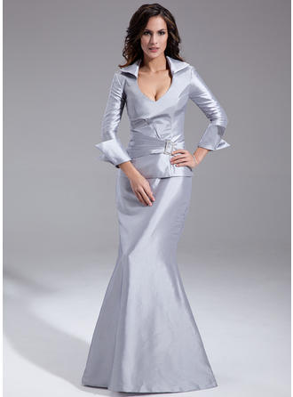 Taffeta Long Sleeves Mother of the Bride Dresses V-neck Trumpet/Mermaid Ruffle Crystal Brooch Floor-Length
