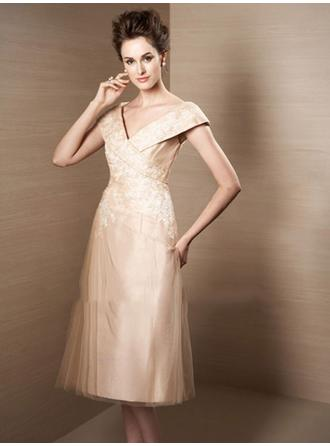 Knee-Length Cocktail Dresses With Lace