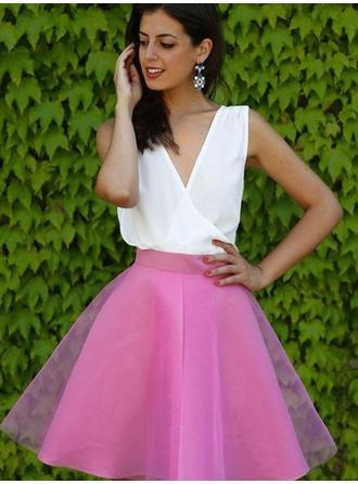 Gorgeous Tulle Sleeveless V-neck Ruffle Homecoming Dresses