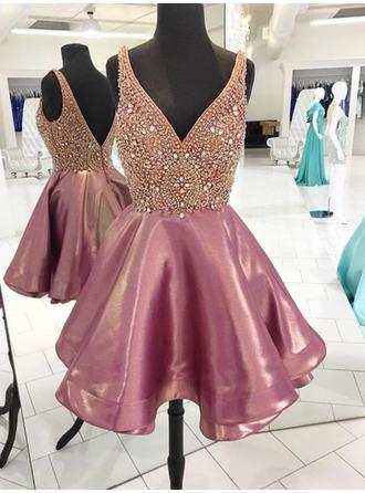 Beading A-Line/Princess Short/Mini Taffeta Homecoming Dresses