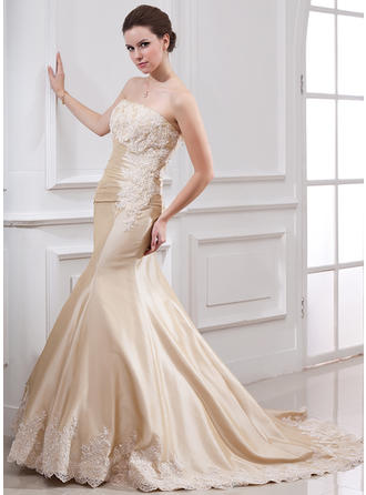 Trumpet/Mermaid Ruffle Lace Beading Taffeta Court Train Three-dimensional Wedding Dresses
