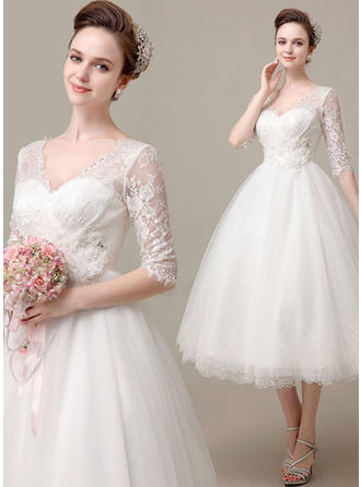 A-Linie/Princess-Linie V-Ausschnitt Wadenlang Brautkleid mit Lace Perlstickerei