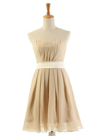 Chiffon Sleeveless A-Line/Princess Bridesmaid Dresses Strapless Ruffle Knee-Length